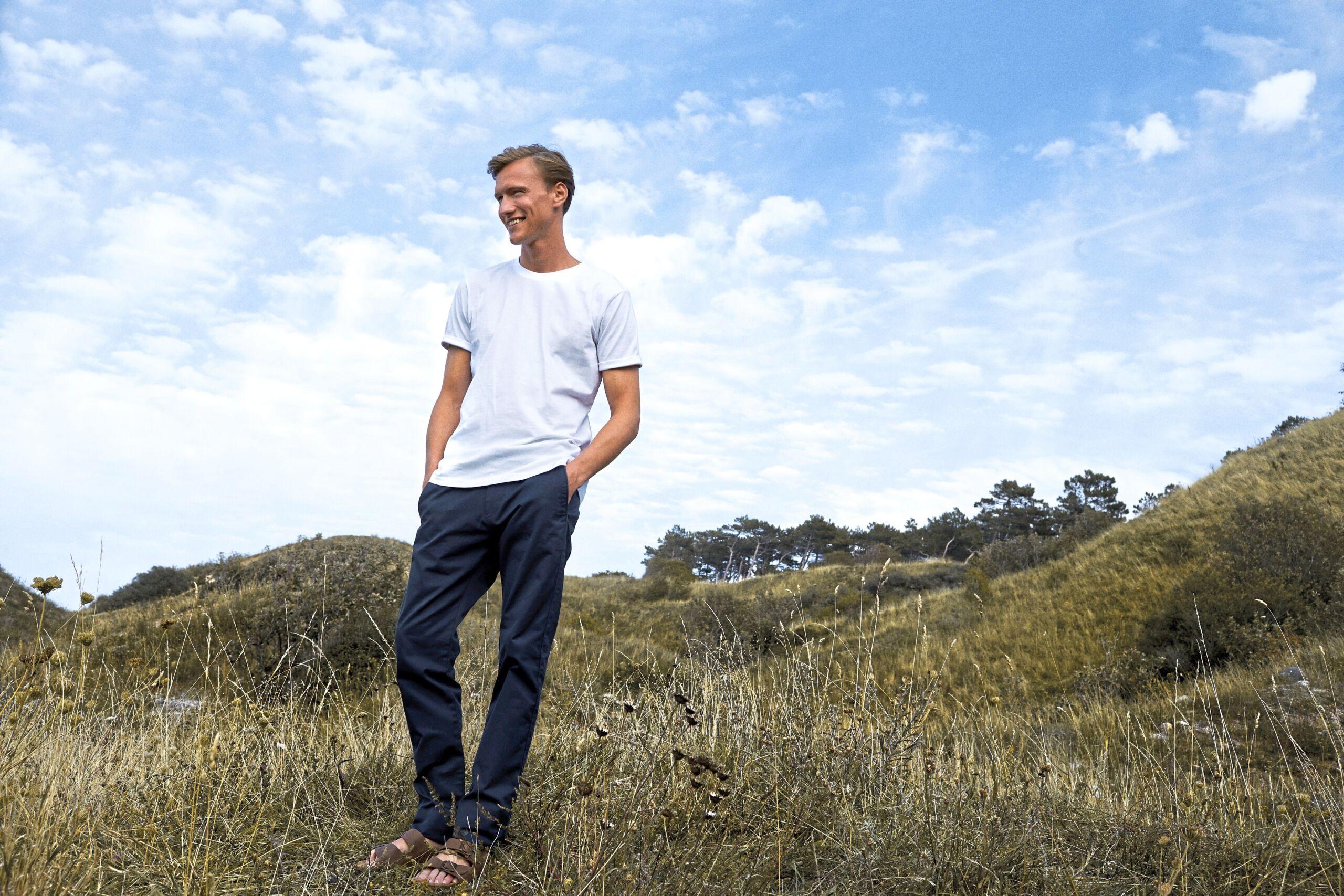 Økologisk, Fairtrade Og Co2 Neutral T-shirt Med Oprullede ærmer Til Mænd I En 155g/m2 Kvalitet [NE60012]